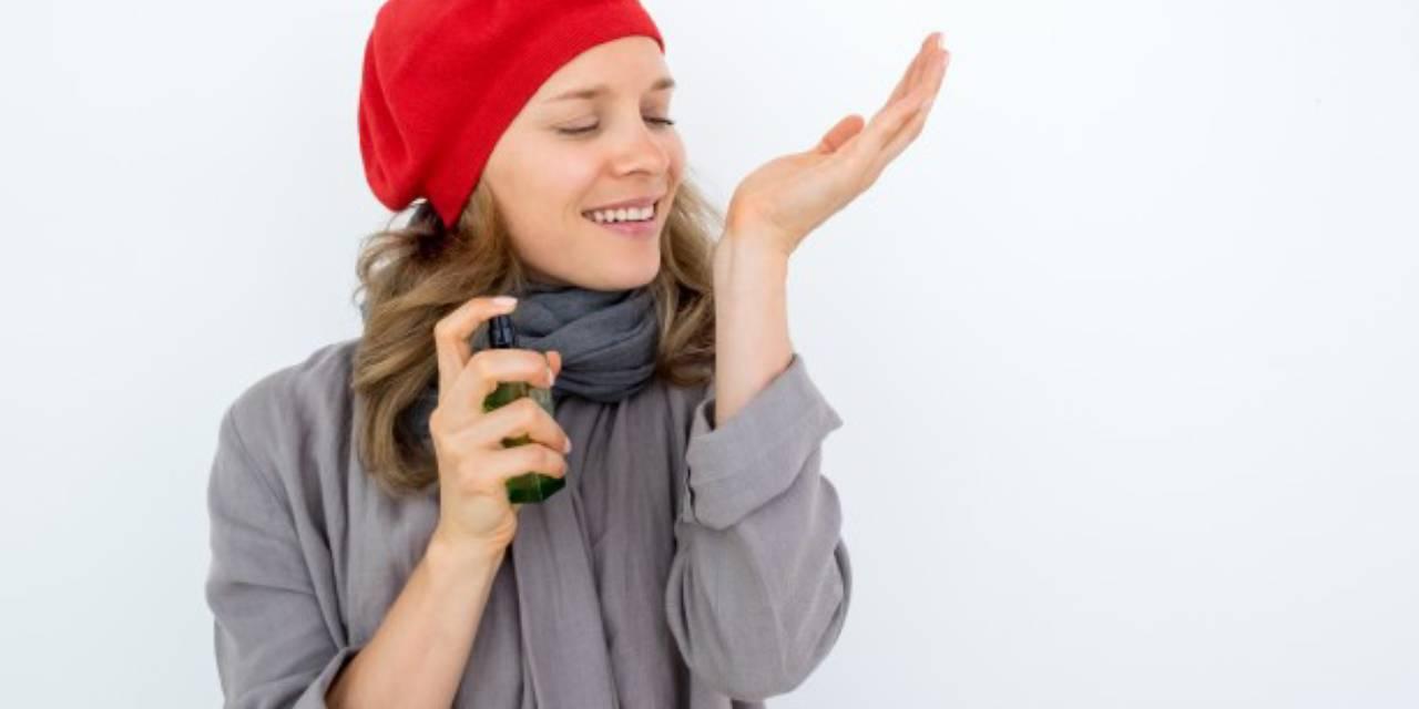 perfum2 - لیستی از بهترین عطرها در دوران بارداری