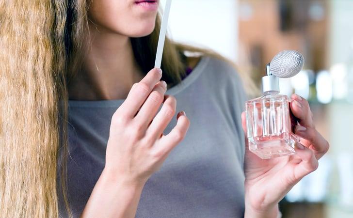 یکی از روش های انتخاب عطر مناسب می تواند انتخاب عطر ماه تولد هر شخص باشد. از این رو، می¬توان بنا به شخصیت خود یک عطر ایده آل تهیه کرد.