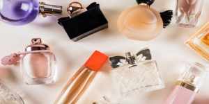 perfume 300x150 - نکات کاربردی در انتخاب عطر برای سنین مختلف