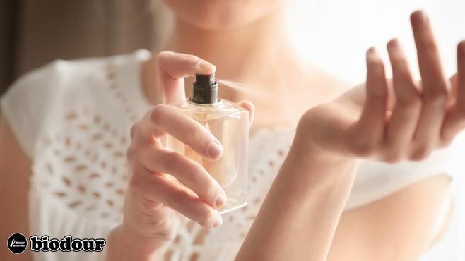 test on hand- تاثیر عطر و ادکلن بر روی پوست