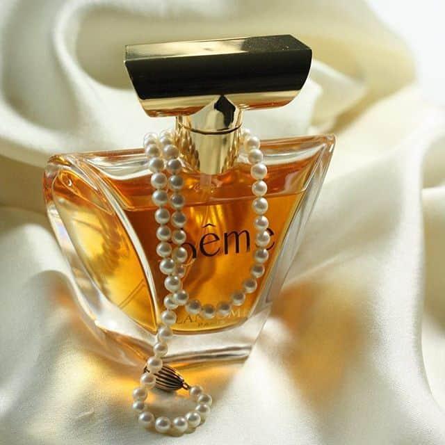 1 - عطر زنانه با پخش بوی بالا