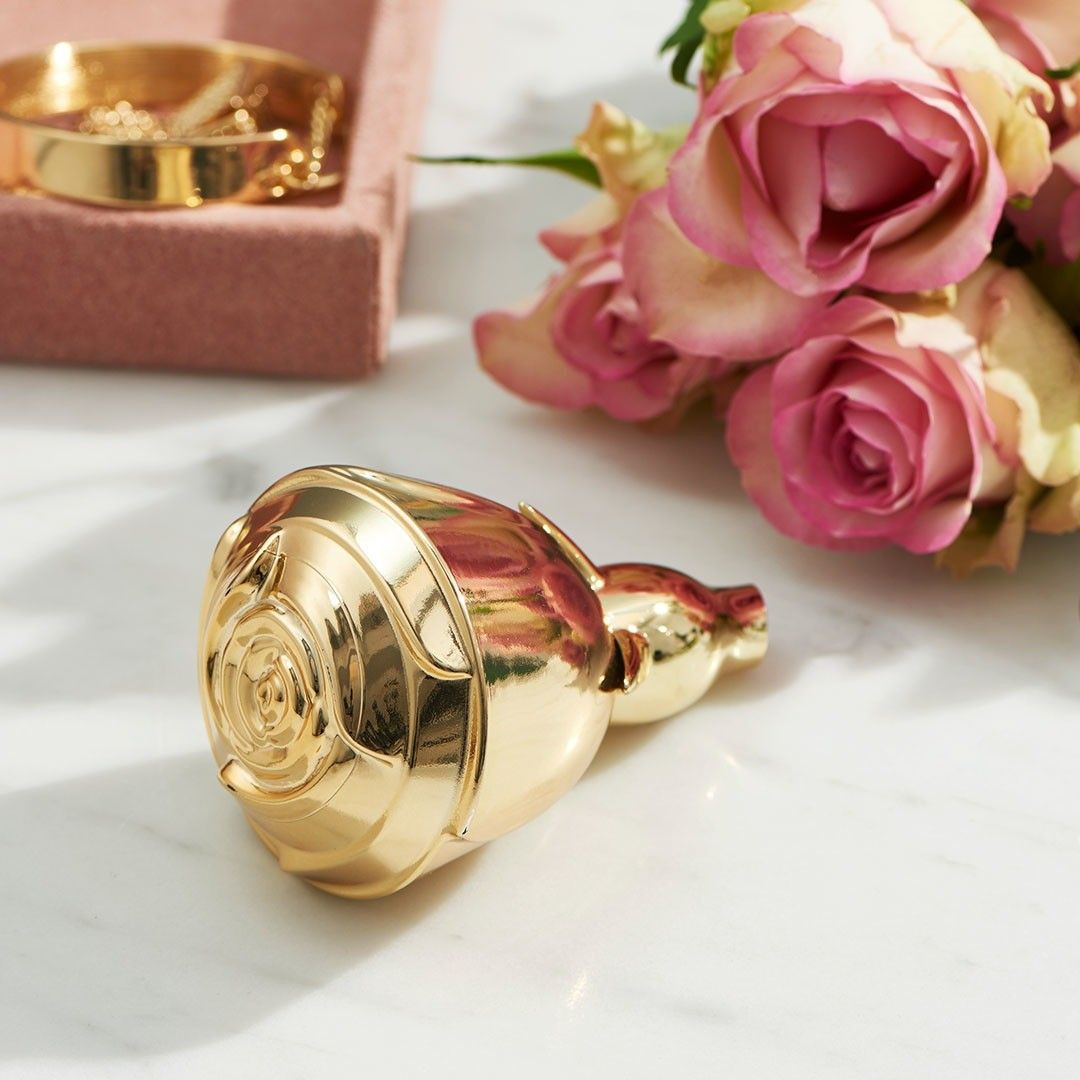 3863499f84350bd6962bad6a1bef7ccc - ادو پرفیوم زنانه ی اوریفلیم مدل Volare gold حجم 50 میلی لیتر
