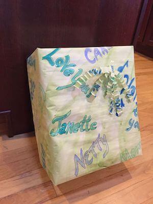 handmade gift wrap - ۵ ایده برای کادو کردن عطر و ادکلن