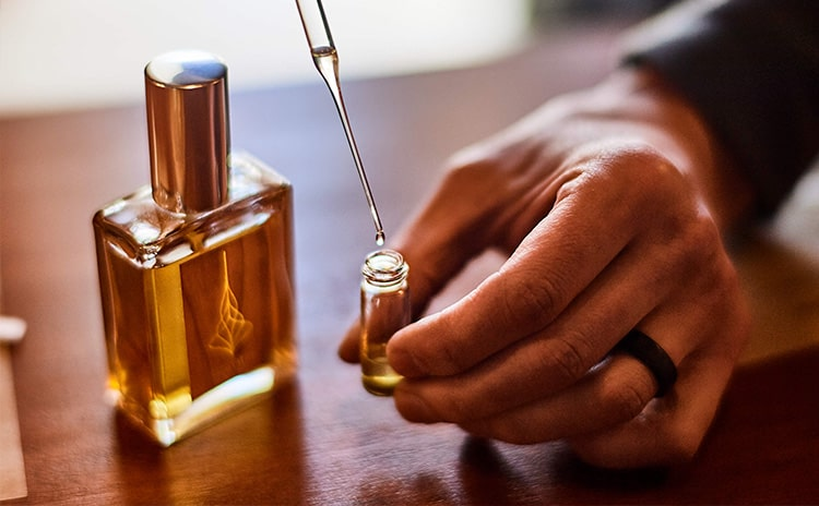 build perfume- اسانس در عطرسازی